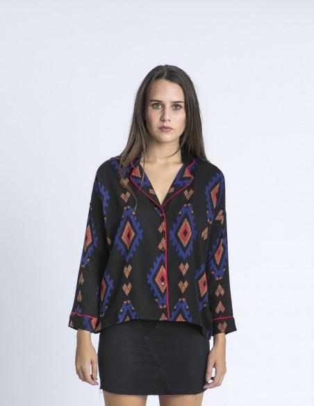 Camisa oversized negra etnica compañia fantastica zaragoza
