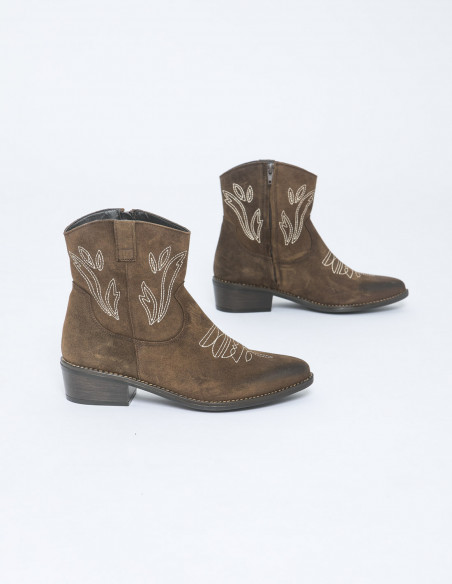 botines cowboy topy marron musse and cloud sommes demode